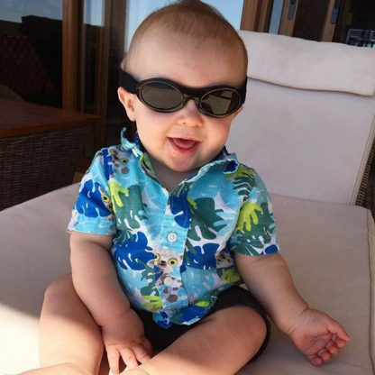 Baby in Adventure Banz Black sunglasses