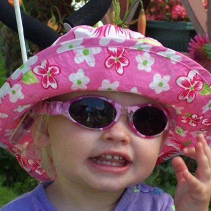 Baby Banz Adventure Banz Camo Pink sunglasses on child