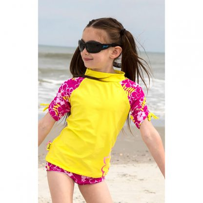 Girl in JBanz Wrap Square Black sunglasses