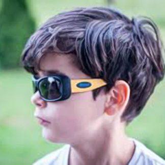 Boy wearing JBanz Flexerz Mustard/Black sunglasses