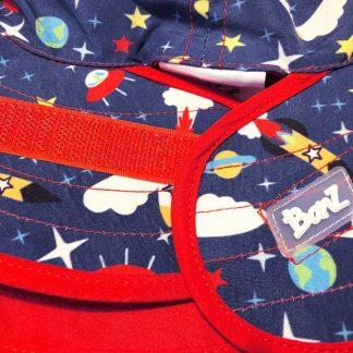 Reversible Sunhat Space showing adjustable fastening